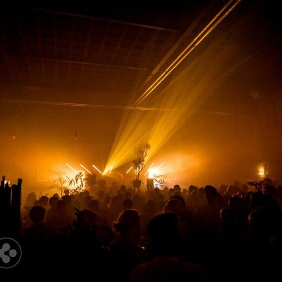 varytec hero movinghead lichtshow club